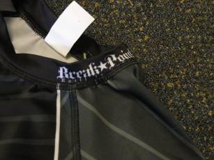 break point rashguard collar