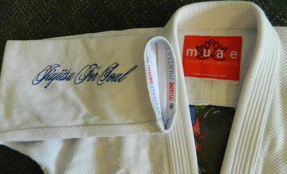 muaewear-oniwakamaru-gi-review-sleeve-embroidery