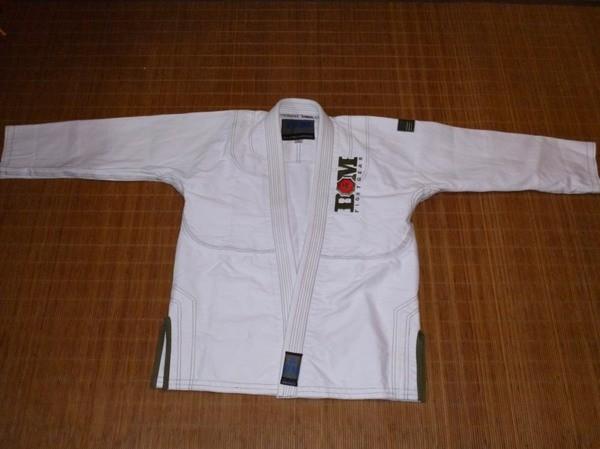 dom combat bjj gi jacket closed