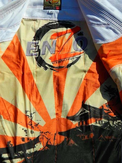 enzo kimonos review jacket rashguard closeup