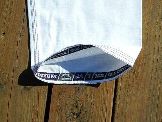 manto-x-bjj-gi-review-cuff-tape